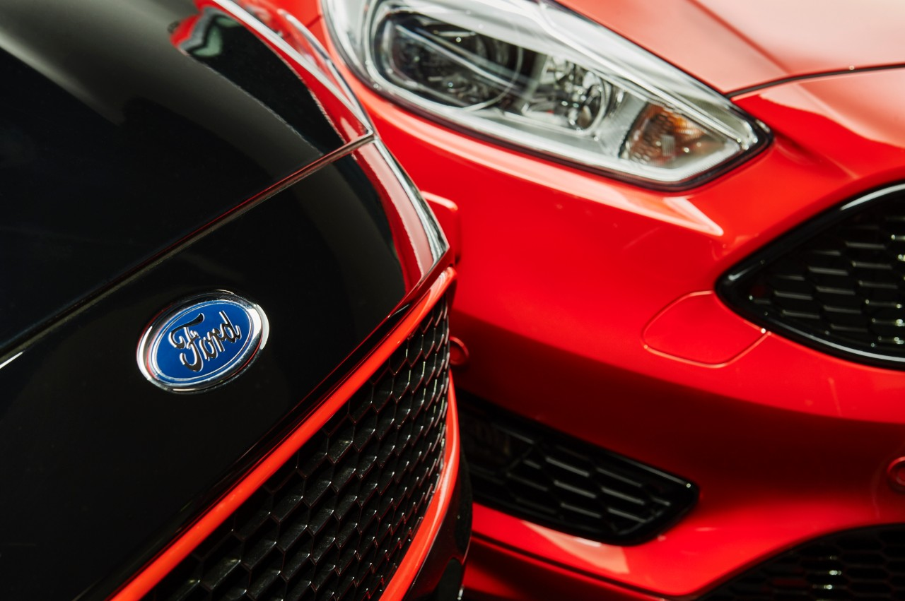2015.10.26_Cars_FORD_FOCUS_RB_closeup