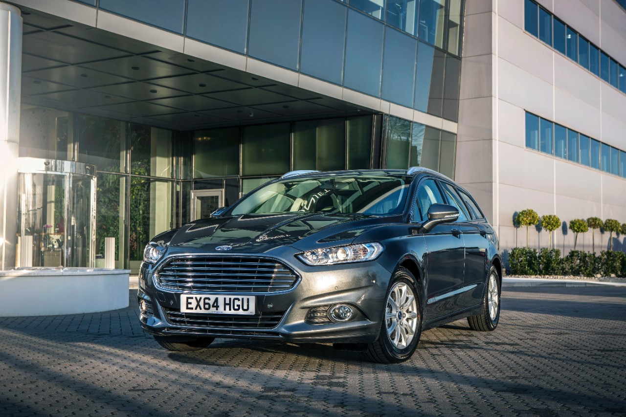 All-new Ford Mondeo Estate wins Best Estate in the 2015 What Car Awards-1