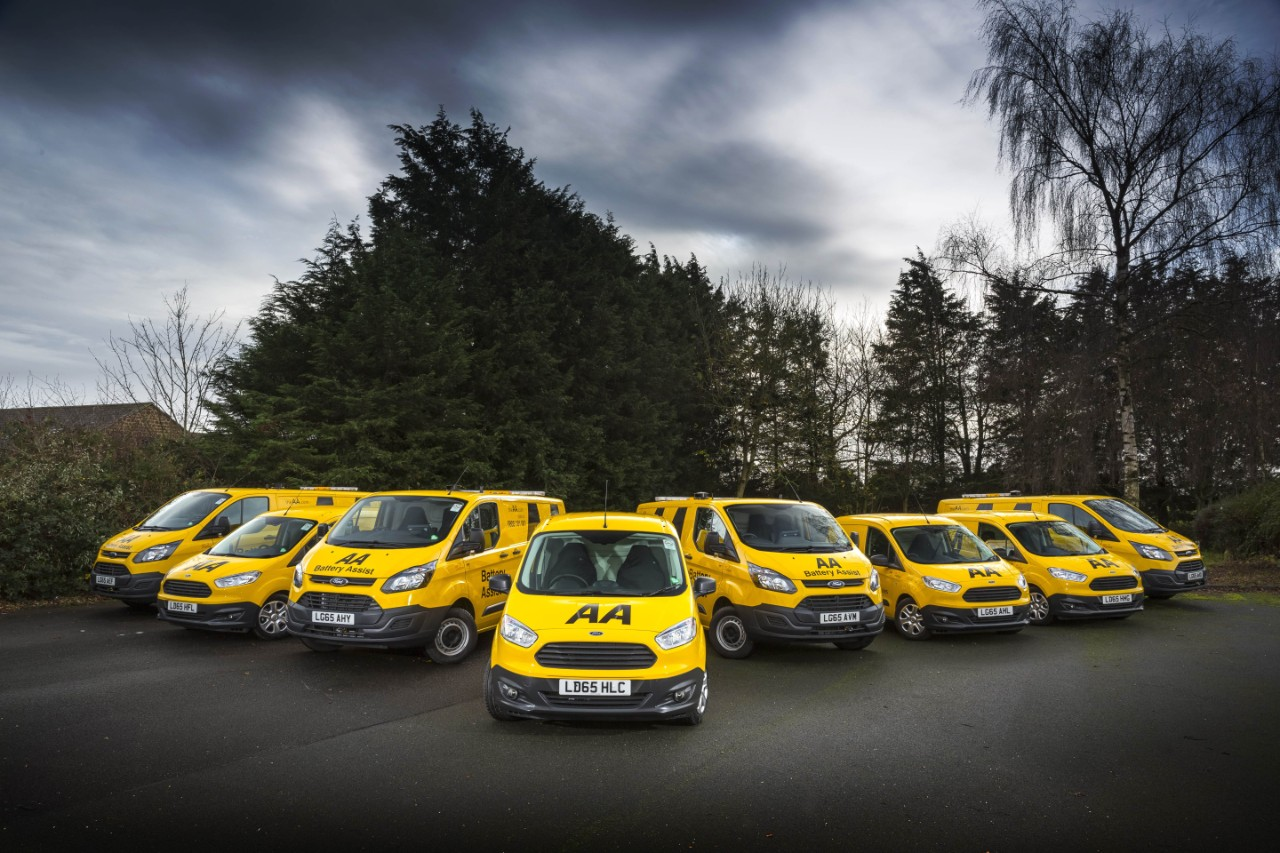 Ford to deliver more than 550 Transit Custom and Transit Courier vans the the AA