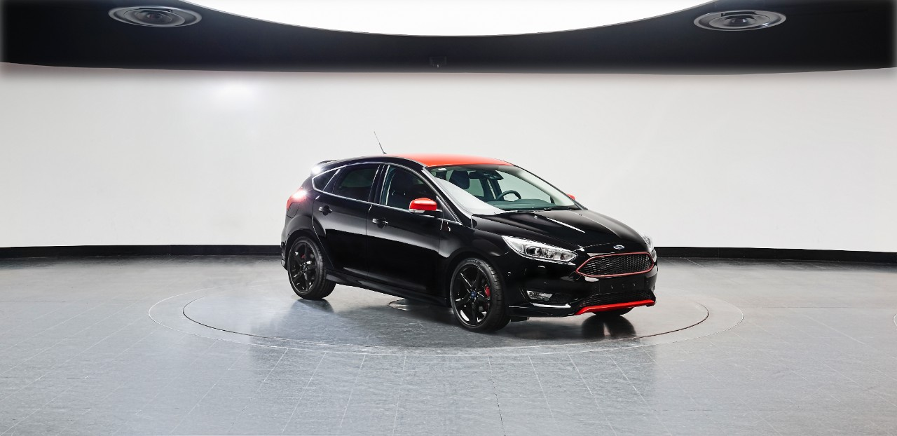 Ford2015_FocusRedBlack_black