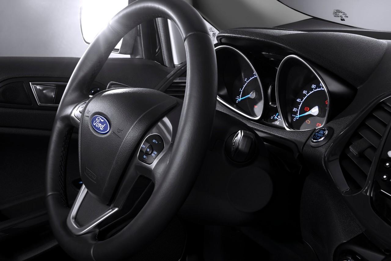 FordEcoSport_2015_Update_Cockpit